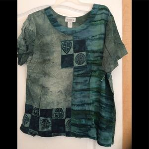 Green/Multi color mixed women top size Large(2/$20